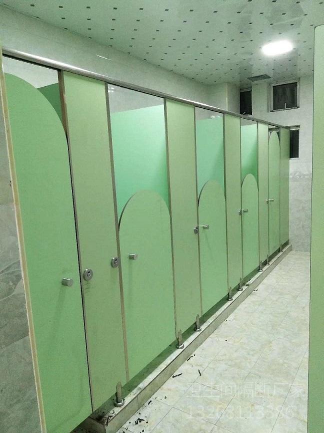好的安装方法能够提高四川卫生间隔断品质