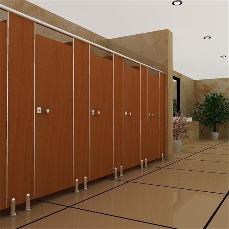 如何选择卫生间材料成都卫生间隔断给你支招。