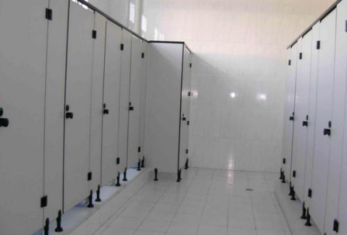 成都卫生间隔断材料有哪些可以选择?