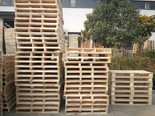 今天宜昌木方小编带来木托盘与塑料托盘比较
