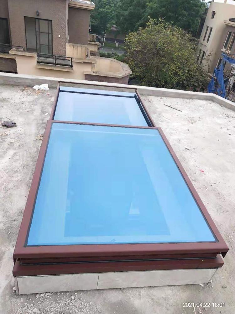 温江区月映长滩:电动全景平移天窗