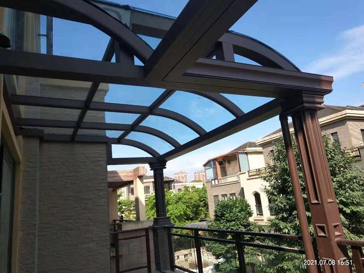 成都市温江区月映长滩:弧形系统阳光房+玻璃栏杆