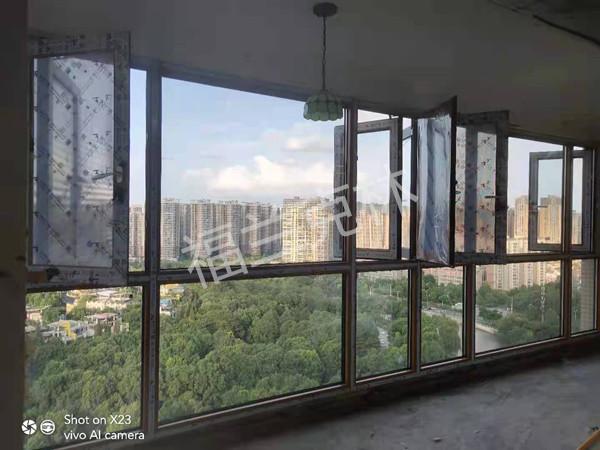 成都市温江区丽晶港:A-86断桥平开窗