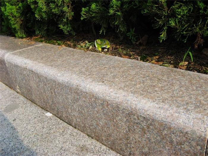 小知识——成都路沿石的质量要求及注意事项