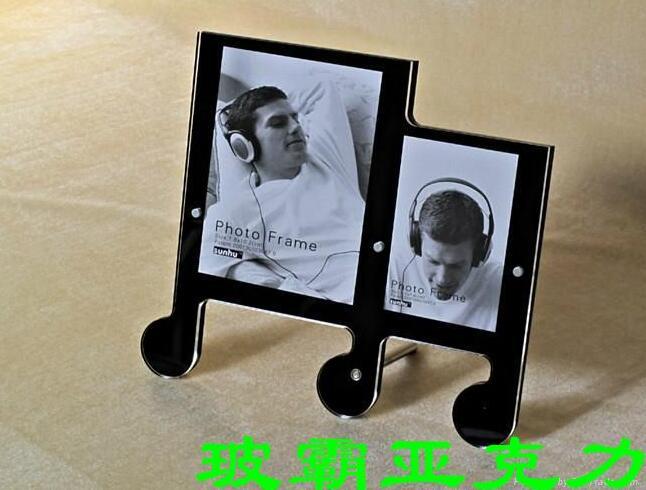 四川亚克力板照片墙展示