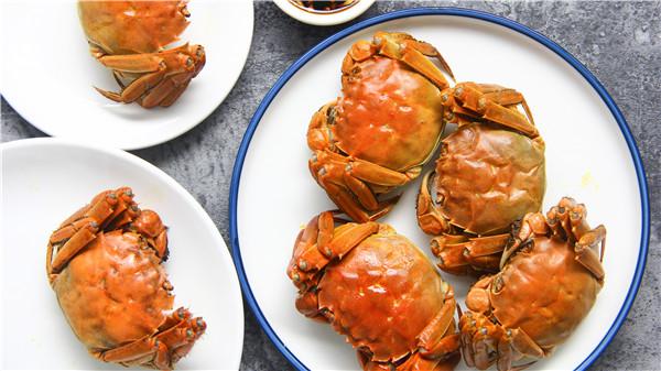 吃大闸蟹需要哪些操作?好吃不容错过哦!