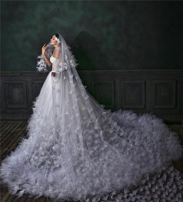 不要再纠结婚纱礼服到底是买还是租了,看完这篇文章你就知道怎么选了