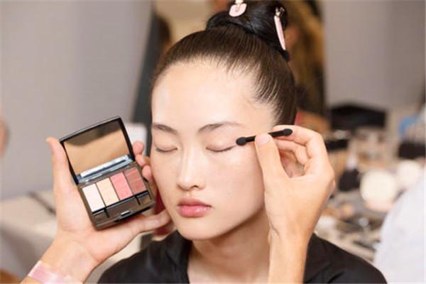 银川化妆跟妆