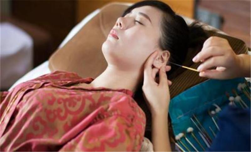 河南采耳培训学校告诉您采耳工具的使用手法