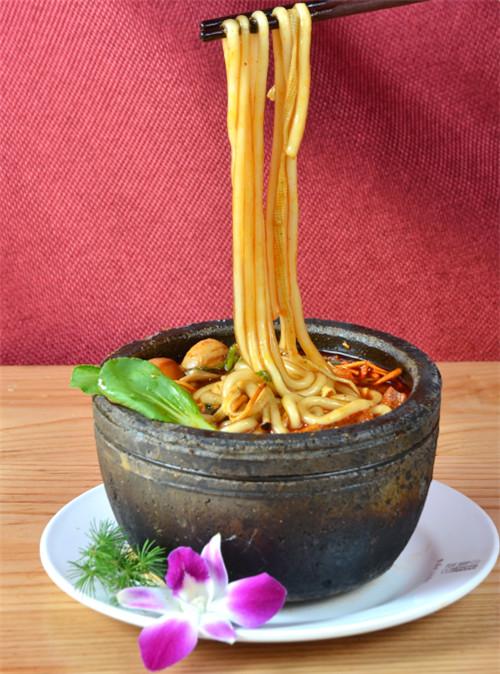 小陶气砂锅加盟