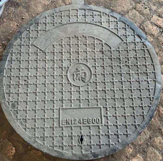 城市的街道上,为何大大小小的井盖几乎都是圆的?
