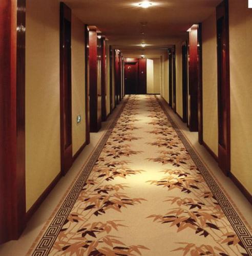 你知道成都酒店地毯吸尘操作方法吗?