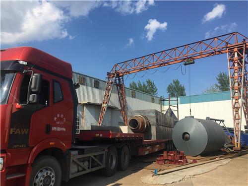 膨胀lol竞猜app岩出产线设备-发往浙江的货正在装车