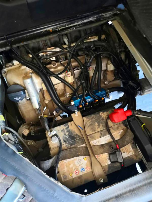 天然气汽车CNG储气瓶安全问题都要经过严格的安全检查