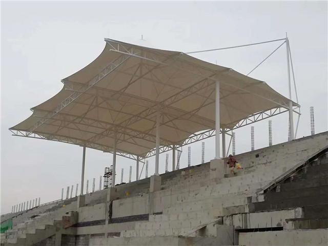 东郊大明宫旁小学膜结构看台