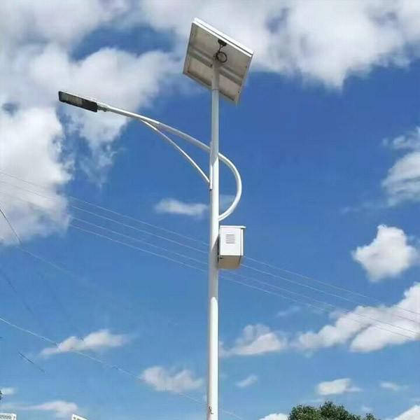 路灯工程中如何选购四川路灯灯杆呢?