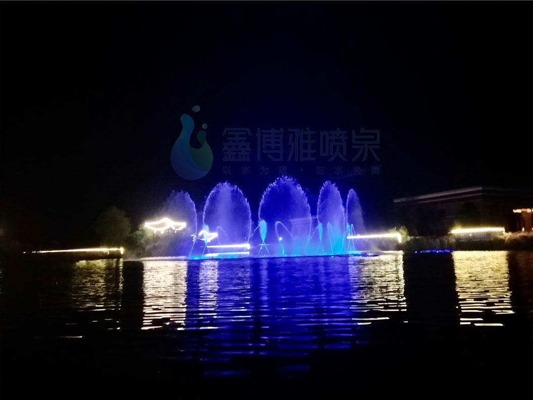 汶川三江七星伴月湖面喷泉工程