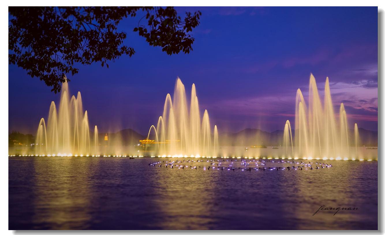 四川音乐喷泉设计夜间灯光效果时的注意事项