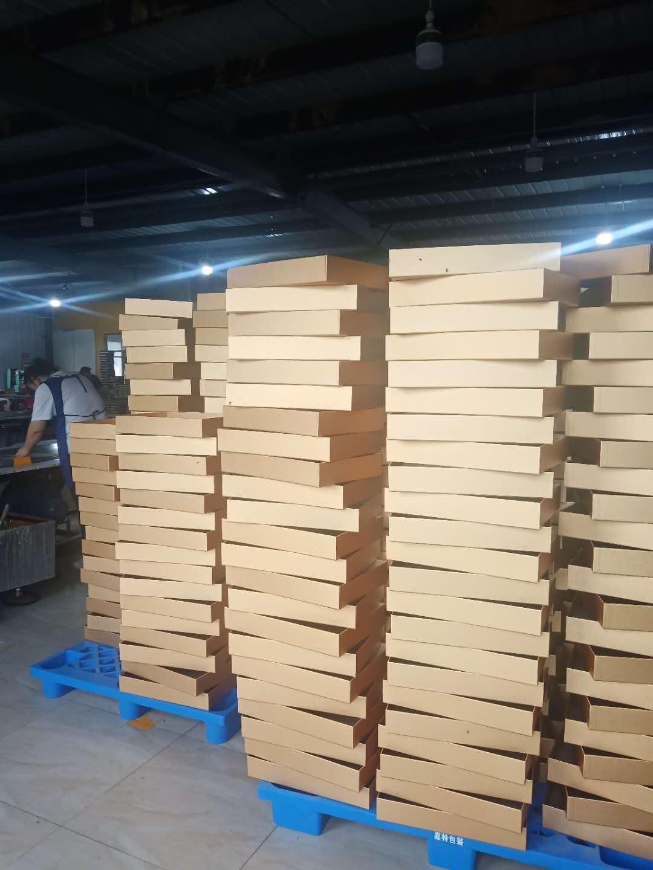 产品包装盒生产制作中的装裱工艺很重要的原因