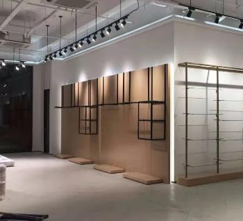 新疆服装展柜公司设计