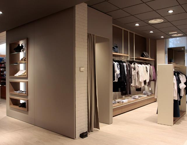 新疆服装展柜厂家