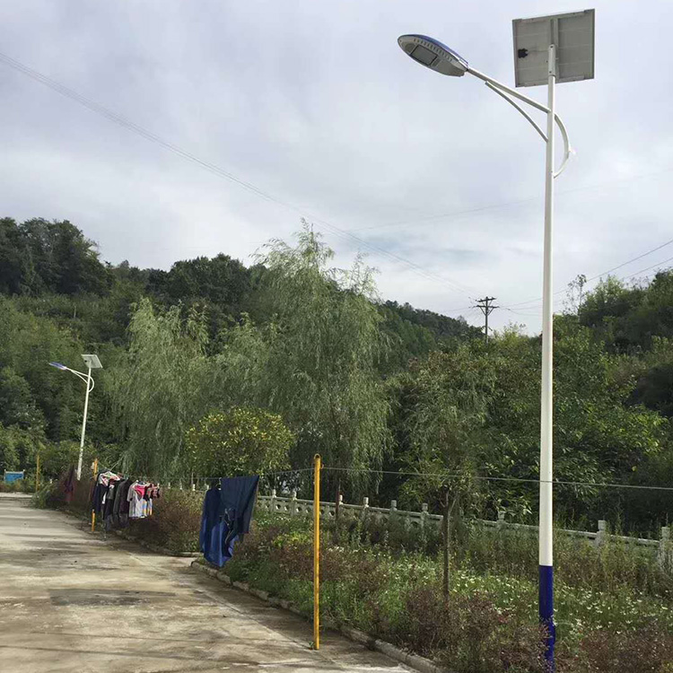 陕西太阳能路灯如何进行配置?关于灯源以及灯具的选择!