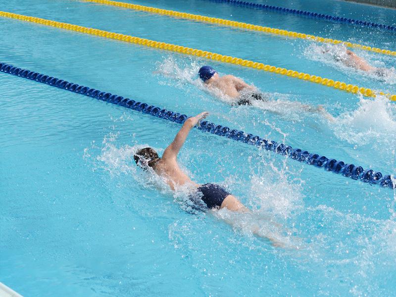 中压紫外线杀菌器在泳池水处理中的应用