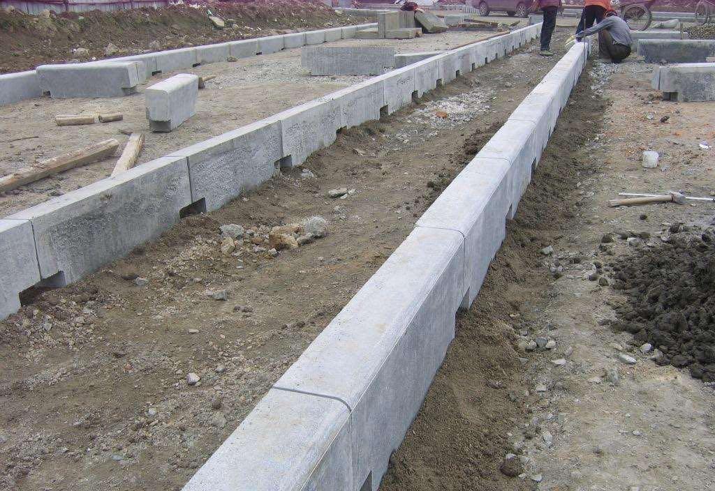 西安路沿石施工案例