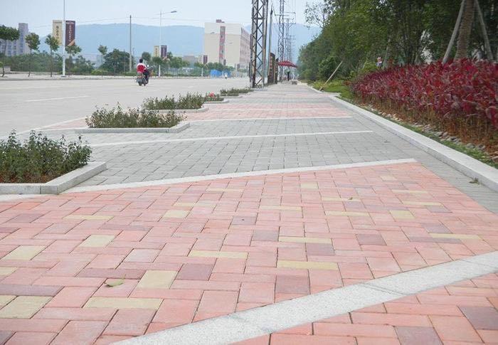 广场砖施工案例
