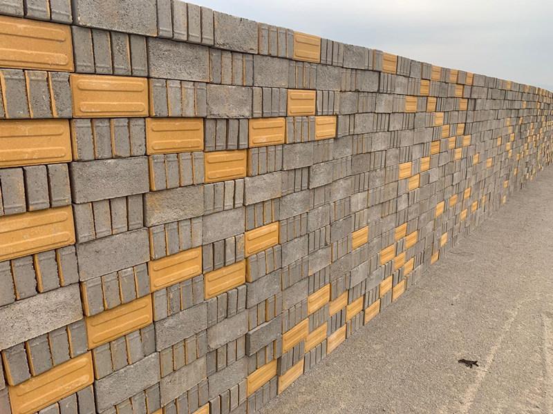昌鑫建材告诉您陕西透水砖是用哪些材料加工而成的?