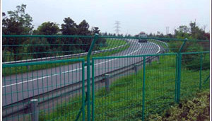 四川高速公路护栏网成功案例