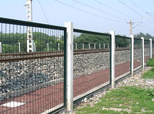 我们怎么对四川铁路护栏网如何维护与保养?