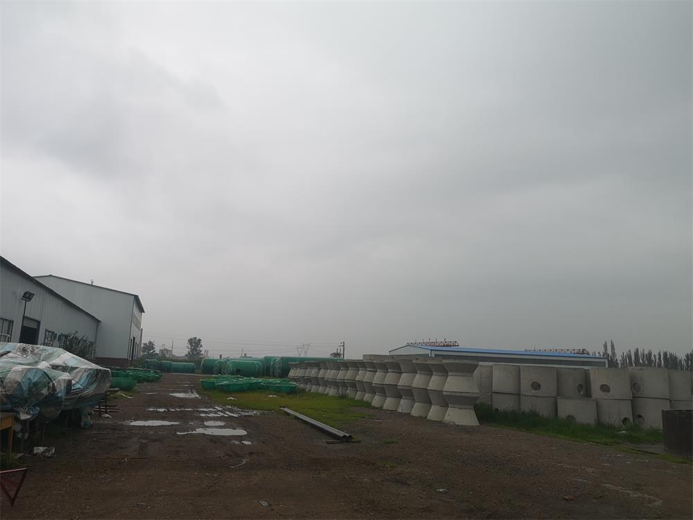 升华玻璃钢厂房图片_河北不锈钢水箱厂