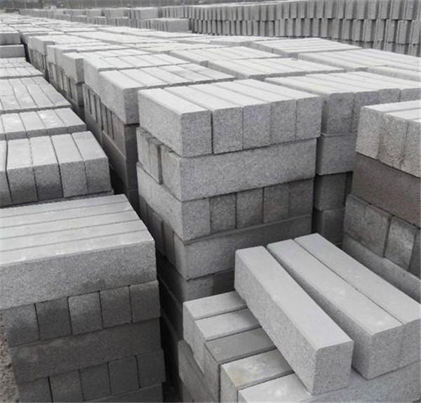 为了使路沿石铺装效果更好,宁夏预制构件厂家来告诉大家都有哪些铺垫步骤