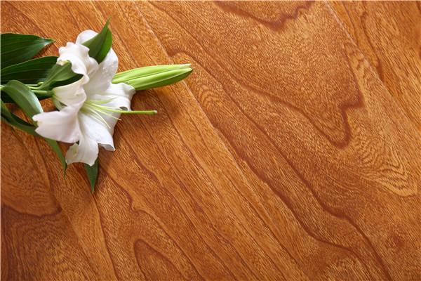 地板安装后一定要注意这几点,地板能使用更久