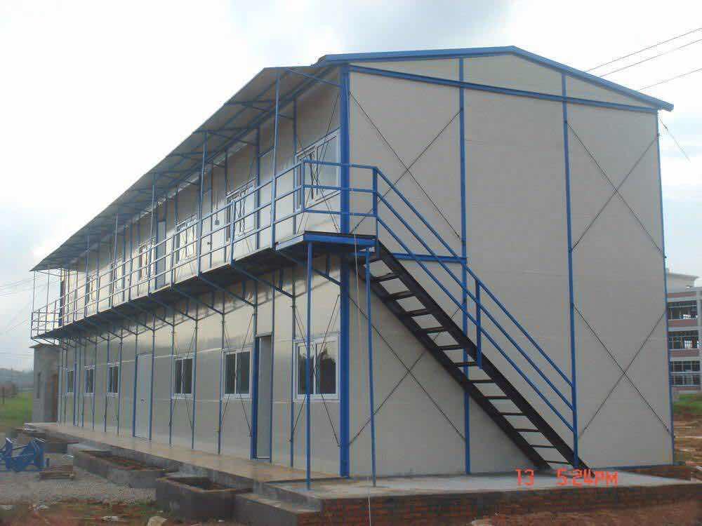 想知道怎么保养彩钢板活动房吗?西安活动板房厂告诉你