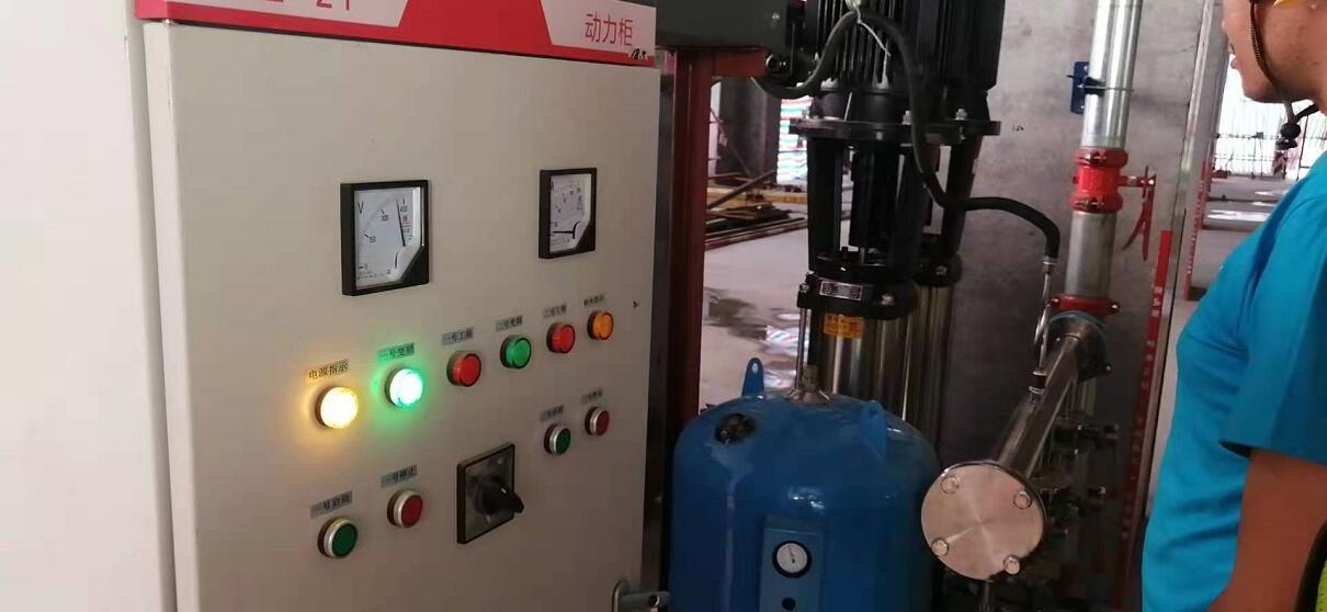 陕建工地临时供水设备调试完成