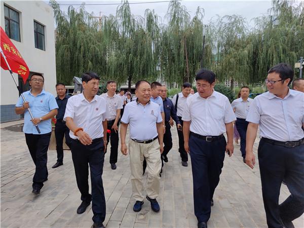 君达集团总经理李昌鹏随同西安市白银商会前往白银市参观考察,受到市委市政府的热情接待
