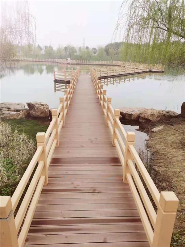 绵阳防腐木栏杆安装