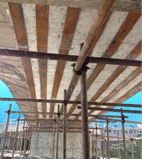 过街天桥钢板加固
