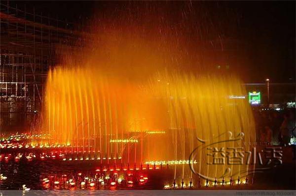 水池音樂噴泉