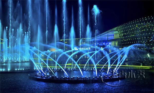 鄭州大型升降漂浮音樂噴泉