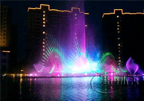 河南激光水秀設計讓音樂噴泉更加的豐富多彩