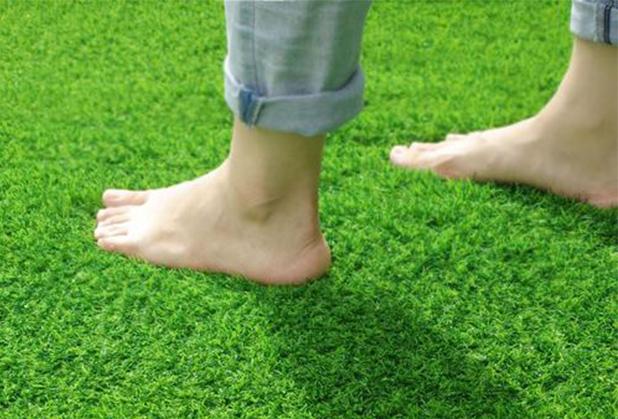 四川人造草坪在商业装修现代办公中的应用
