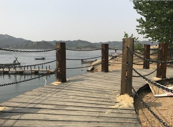 成都仿古木雕厂介绍公园栈道施工步骤及工艺