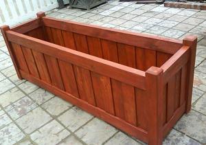 成都厂家分享实木花箱日常保养方法
