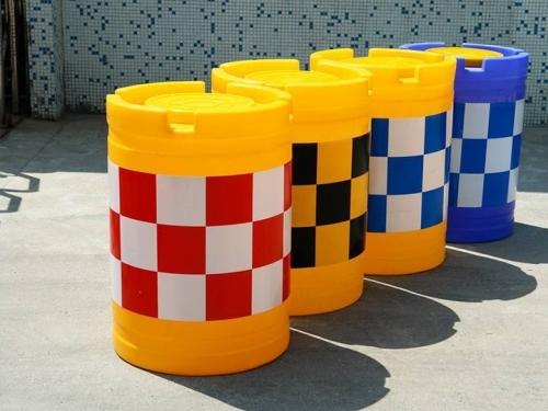 鄂尔多斯公路防撞桶