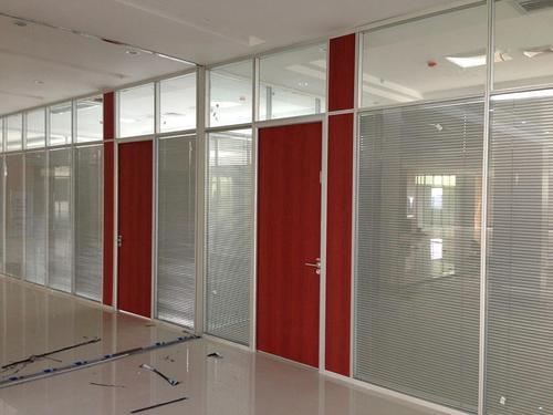 采光和空间使用不够,办公司面积浪费?