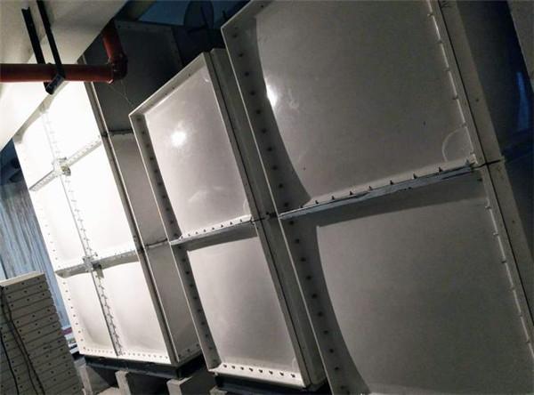 客户做的玻璃钢水箱案例