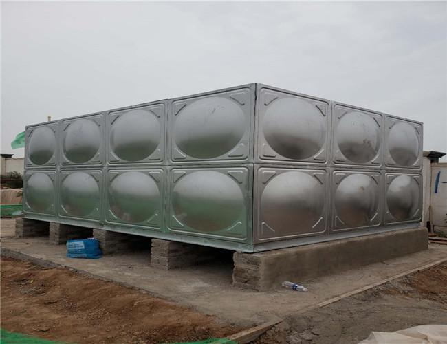 西咸新区空港新城 24吨不锈钢组合水箱9月30日安装完工